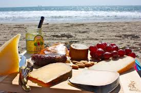 Picnic in the Park - Don't get sand in your sandwiches!