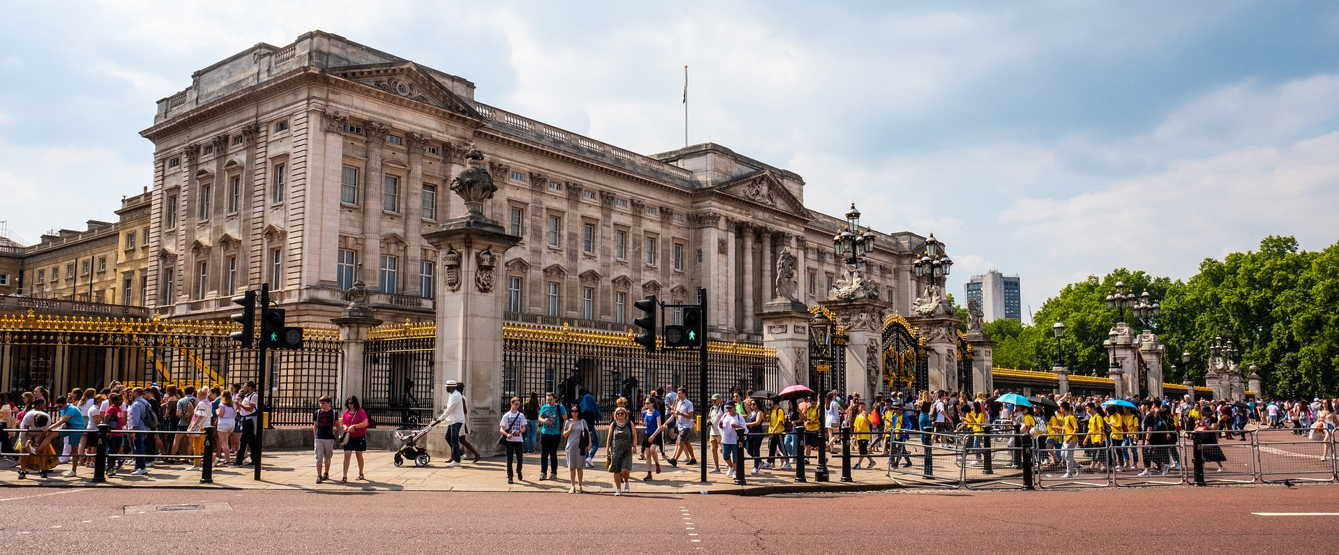 Inspirational People for Inspirational Times – Her Majesty Queen Elizabeth II - Buckingham Palace, none too shabby for your average 387 up, 388 down...