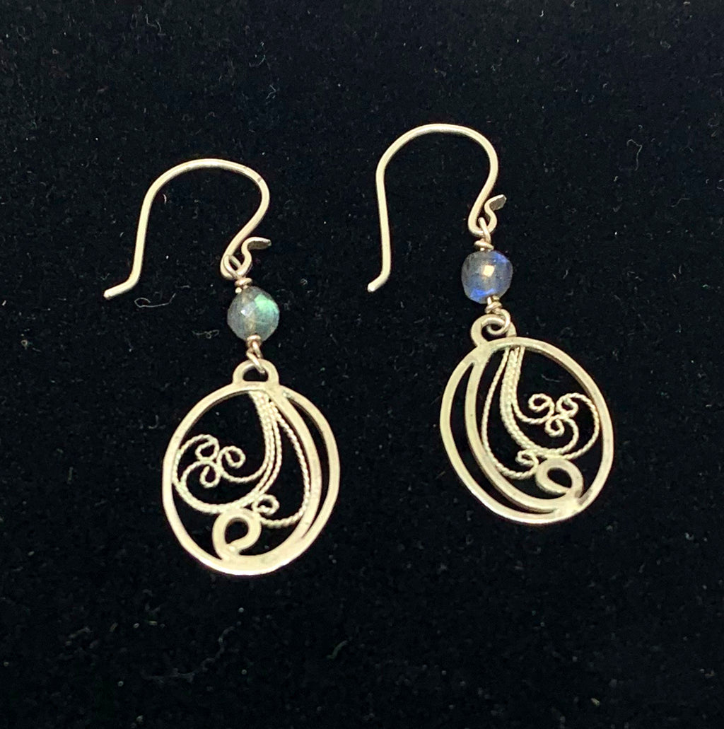 handmade silver filigree dangle earrings with labradorite gemstones