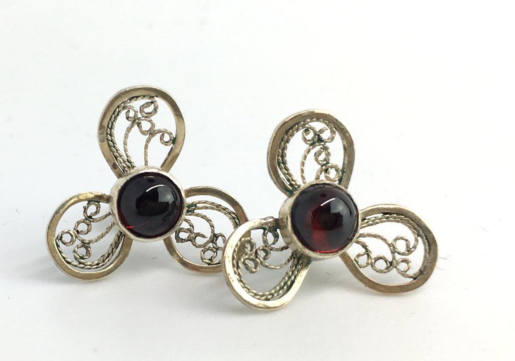 Handmade Silver Filigree Flower Earrings with Garnet