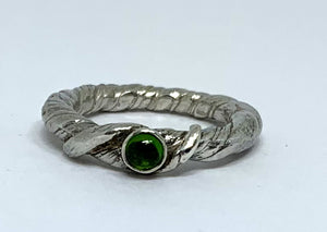 Chrome Diopside Twisted Vine ring in sterling silver