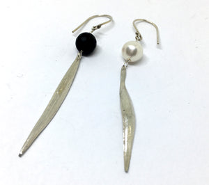 Onyx and Freshwater Pearl Statement Earrings - Asymmetrical Mitsuro Hikime Earrings