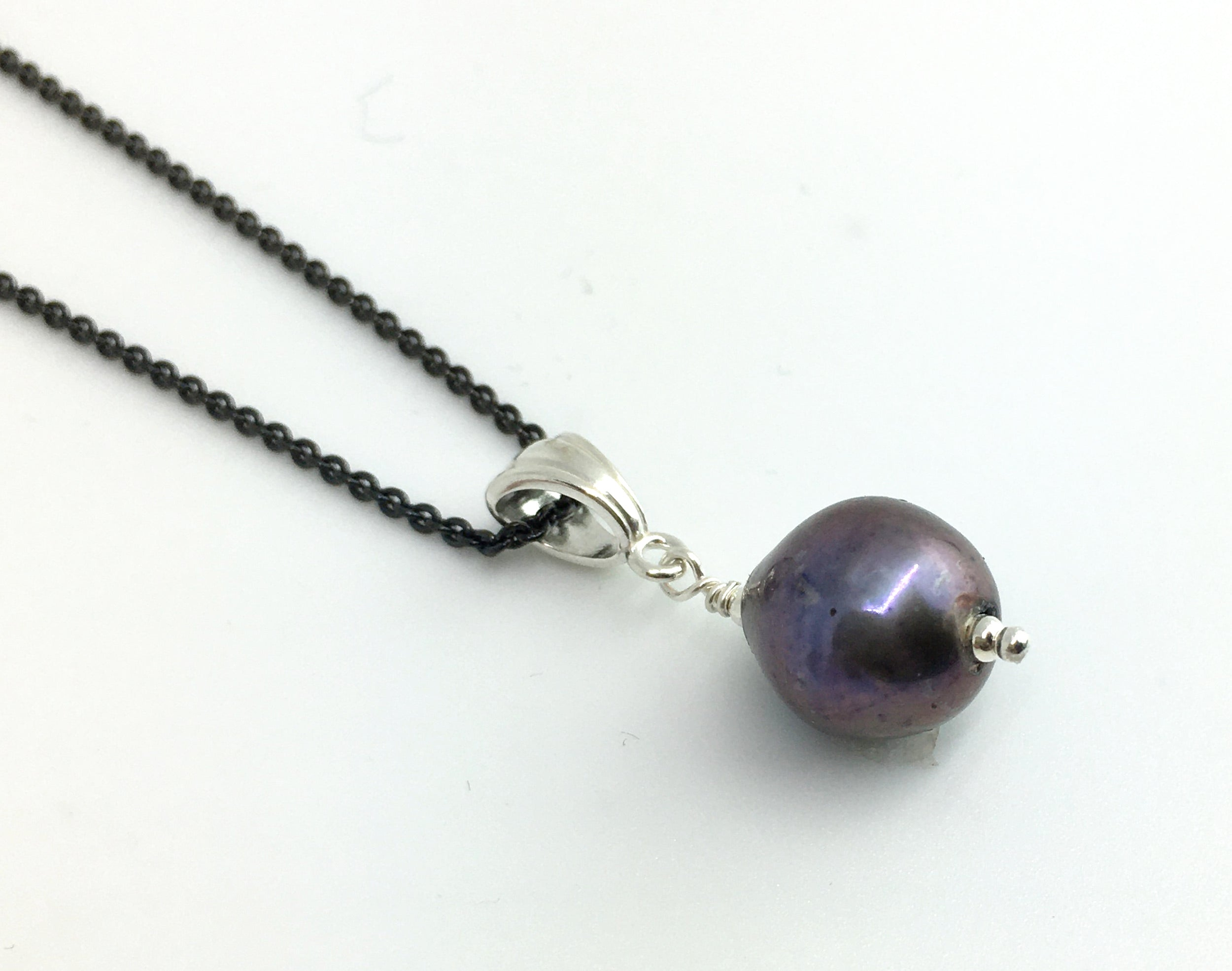 Single Freshwater Purple Peacock Pearl Pendant Necklace on Black Sterling Silver Cable Chain
