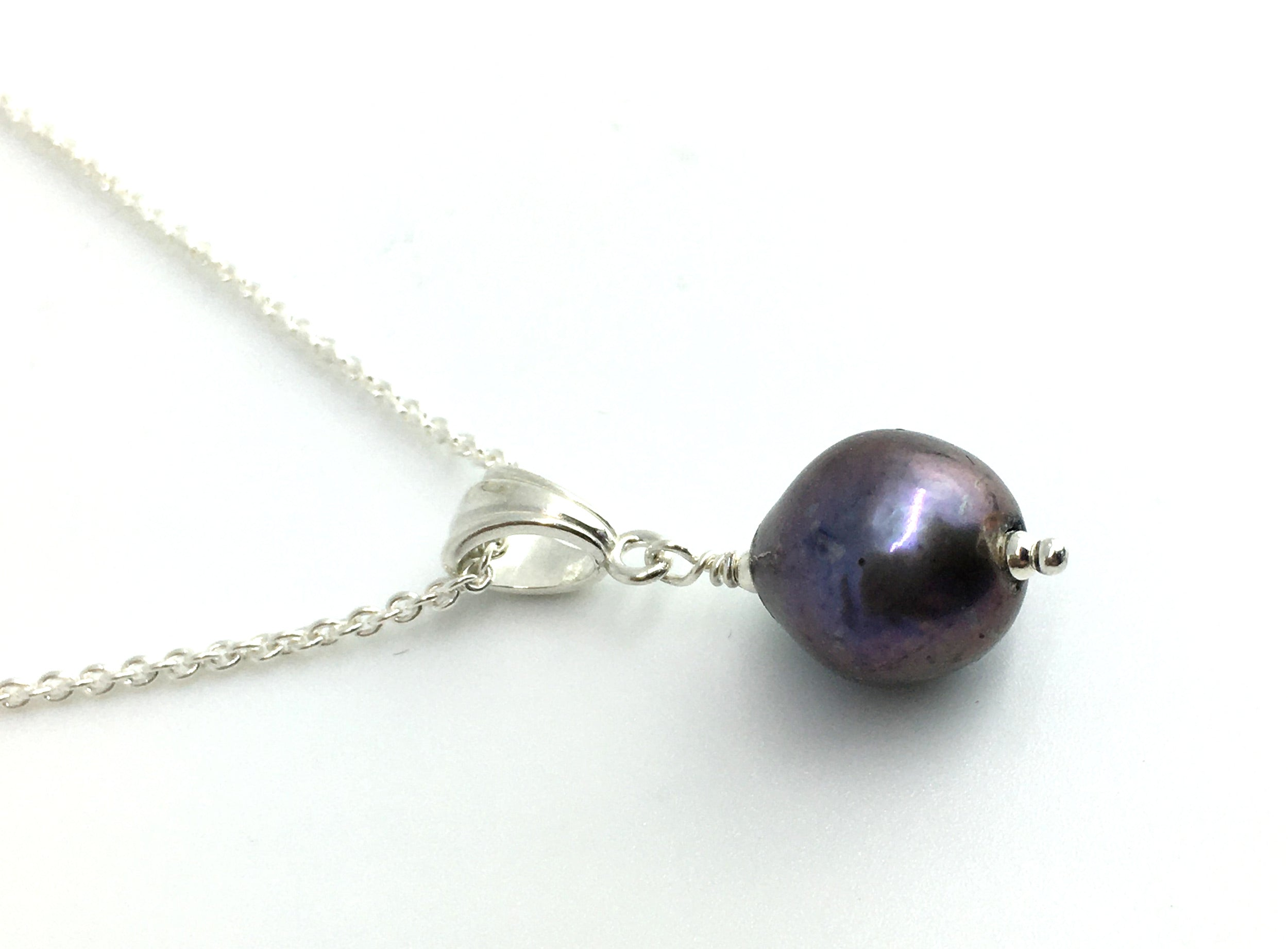 Single Freshwater Purple Peacock Pearl Pendant Necklace on Sterling Silver Cable Chain