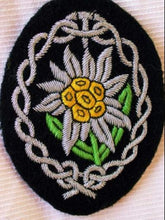 Load image into Gallery viewer, Gebirgsjäger Edelweiss Sleeve Insignia