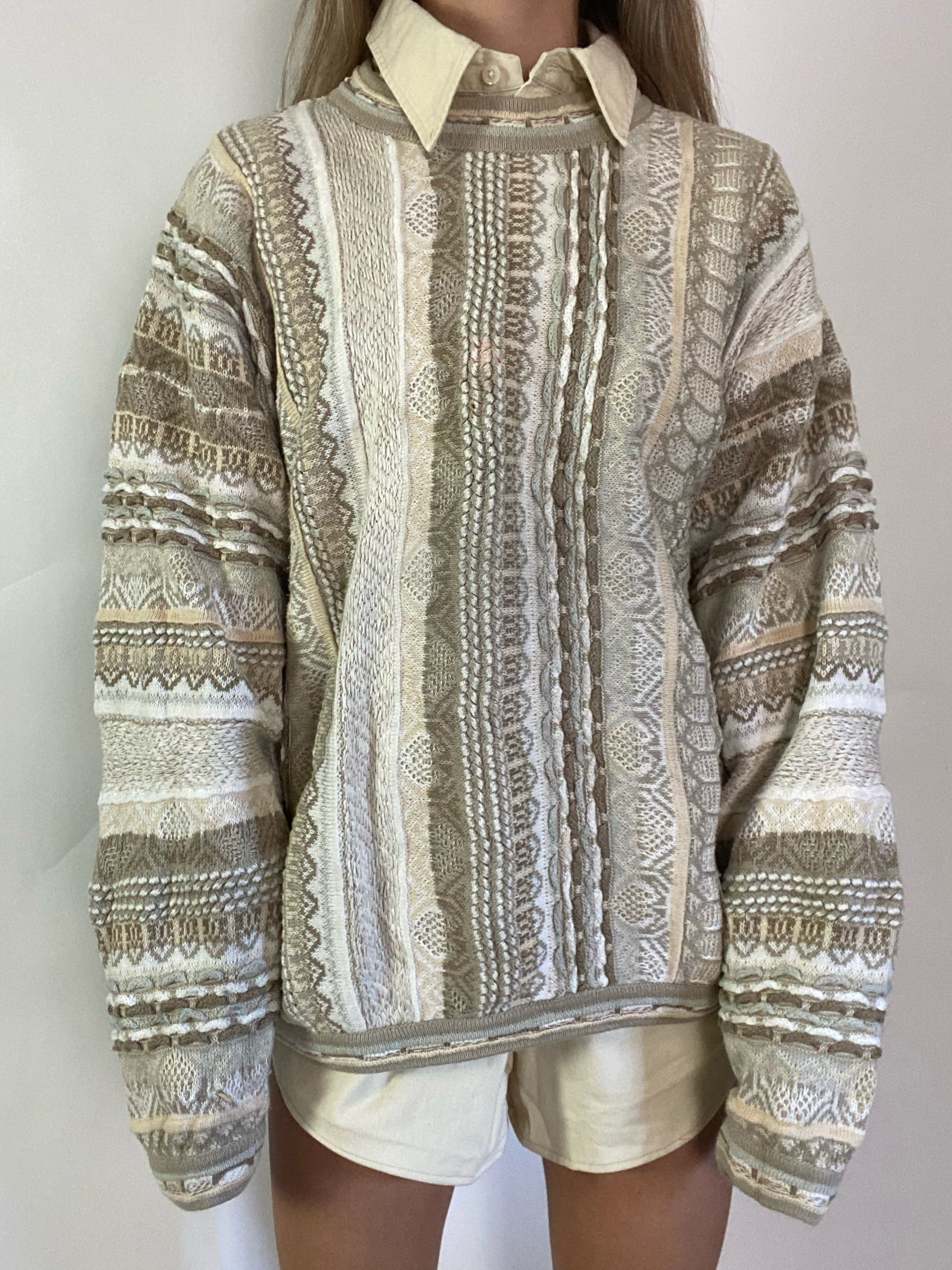 Vintage  knit sweater with pattern