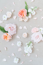 Load image into Gallery viewer, Pastel Dream: Styling Blooms / Cake Florals