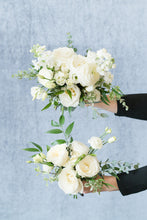 Load image into Gallery viewer, White Garden: Posey Bouquet