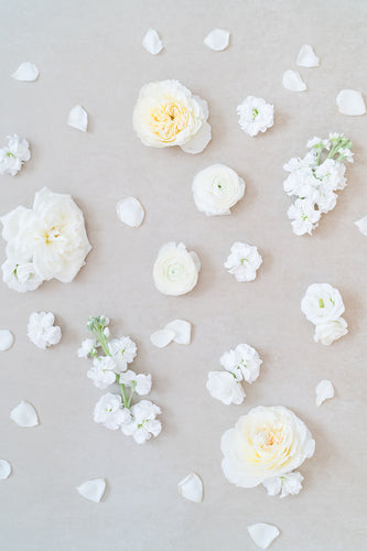 White Garden: Styling Blooms / Cake Florals