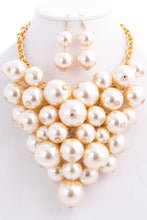 Load image into Gallery viewer, Pearlie Necklace Set