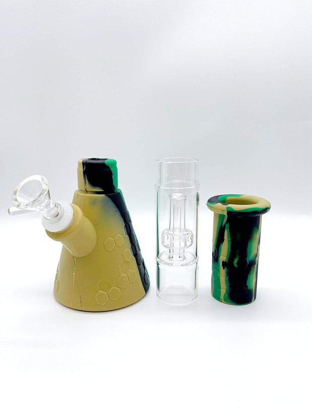 Smoke Station Water Pipe Camo Silicone water pipe with glass showerhead chamber