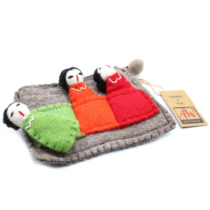 Pouch with Finger Puppets - Friends