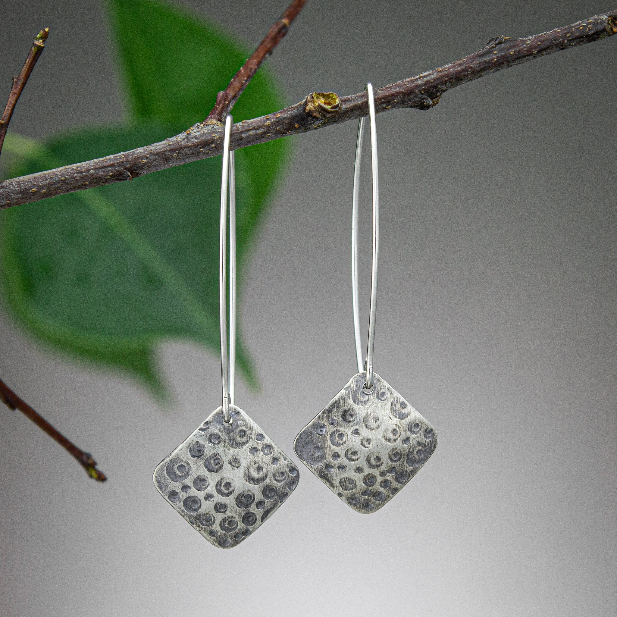 Nora Curved Square Earrings