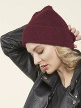 Load image into Gallery viewer, 100% Merino Wool Toque, MERLOT