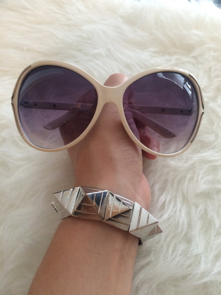 Lali Sunnies - So Enticing
