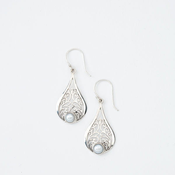 Teardrop Swirly Pearl Earrings