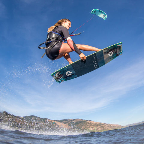 2021-duotone-select-kiteboard-ActionPic