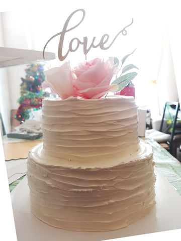 2 tier love wedding cake