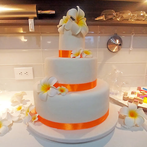 3-tier-wedding-cake-orange-real-flower