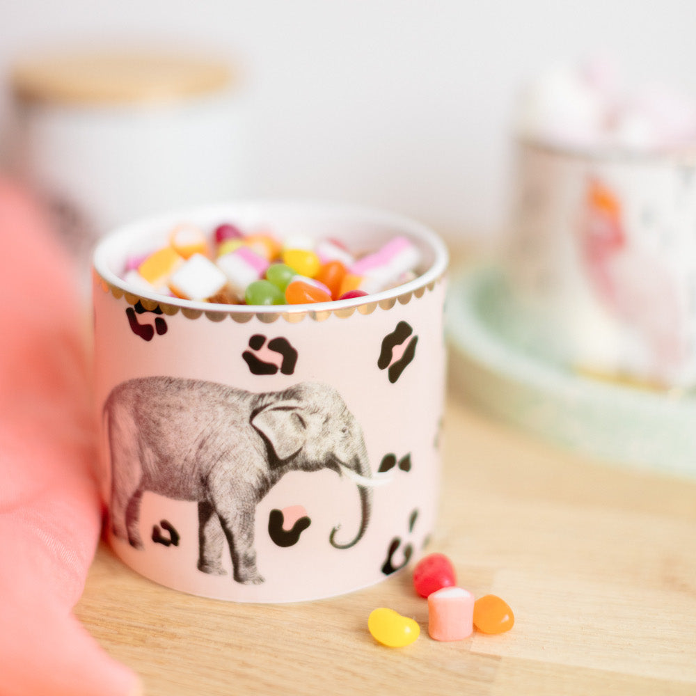 Load image into Gallery viewer, Elephant storage jar with sweets