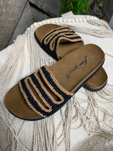 "Free People - Crete Footbed ""Black"" Sandal"