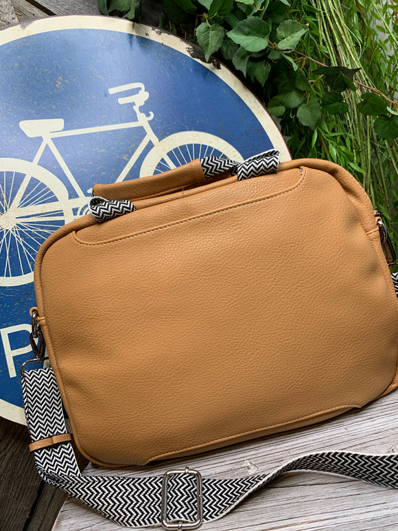Louenhide - Mona Laptop Case in Camel