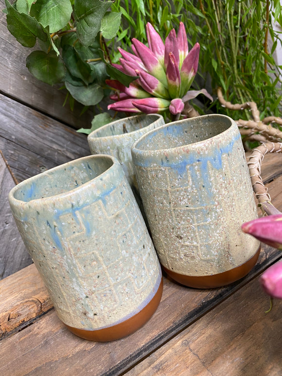 Giftware - Grey/Green Pottery Style Mugs