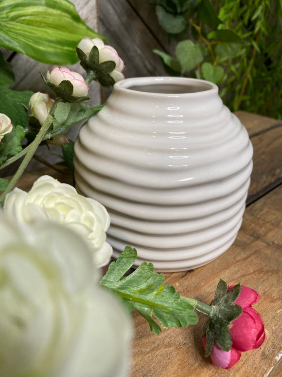 Giftware - Small White Ripple Vase