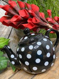 Giftware - Black/White Polka Dot Tea Pot