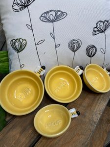 Giftware - Yellow Measuring Cups