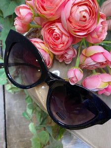 Sunglasses - Black Frame