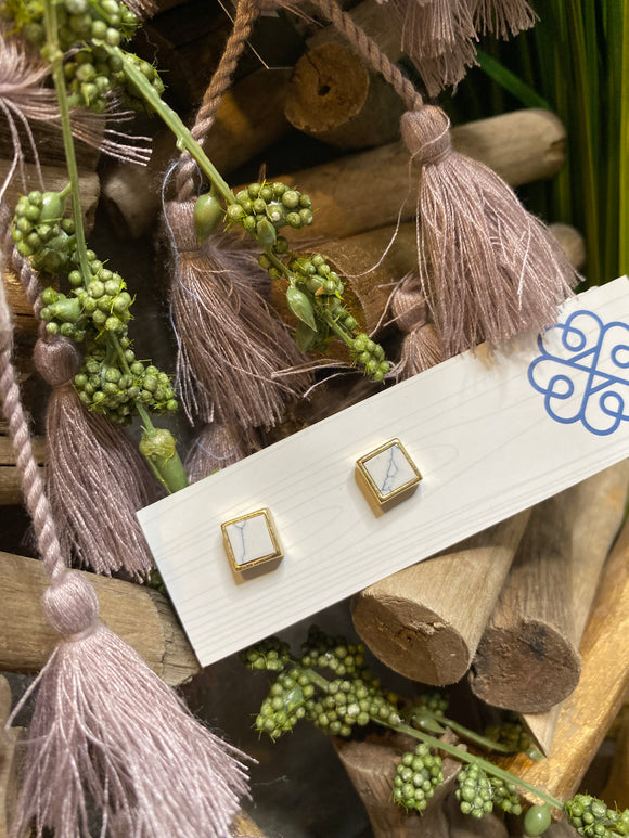 Jewelry - Glee - Square Earrings with White Stones in Gold