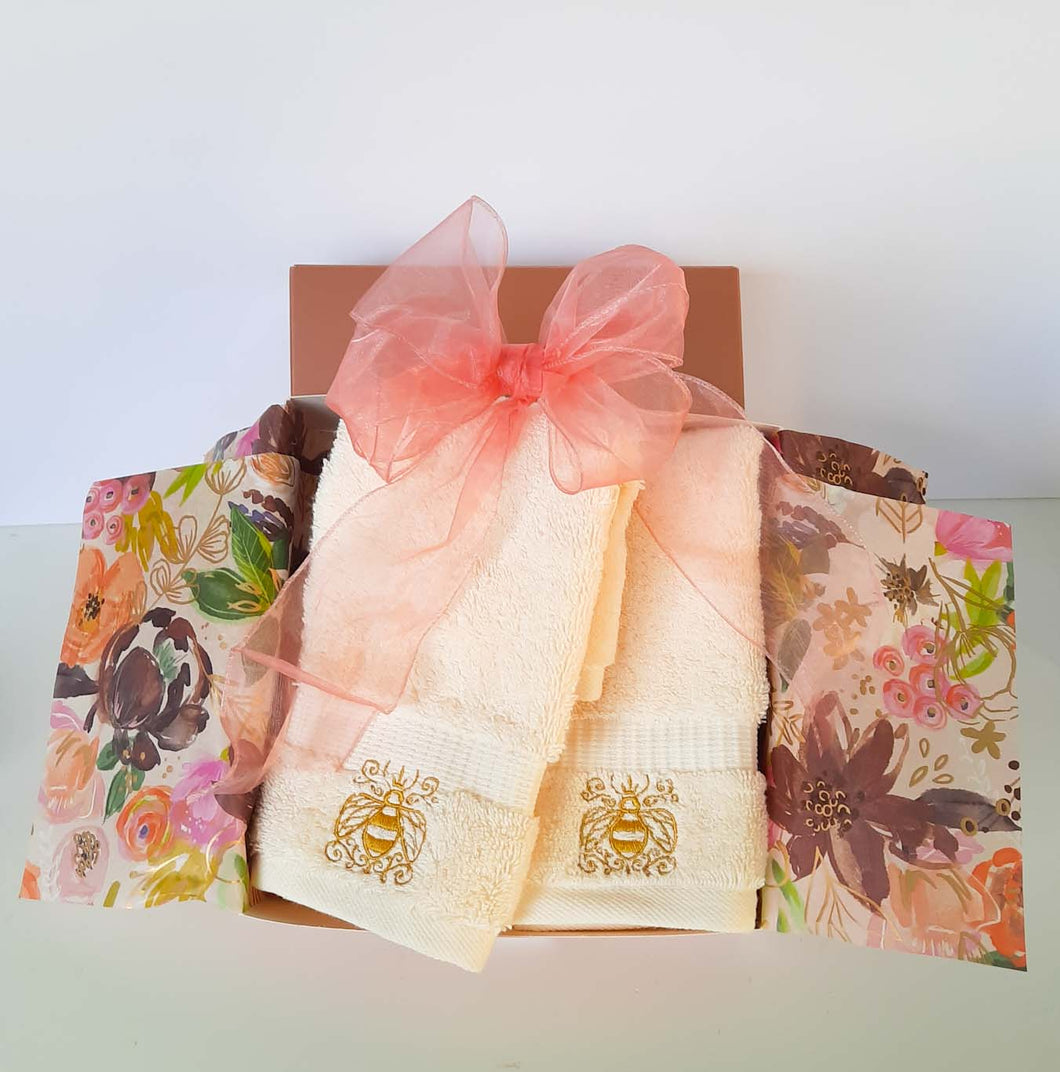 Signature Queen Bee Embroidered Washcloth Boxed Set