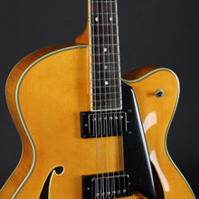 Load image into Gallery viewer, Comins GCS-16-2 Archtop Vintage Blonde - Mak's Guitars
