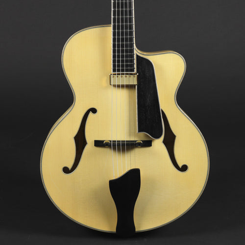 Eastman AR905CE Blonde Archtop #0048