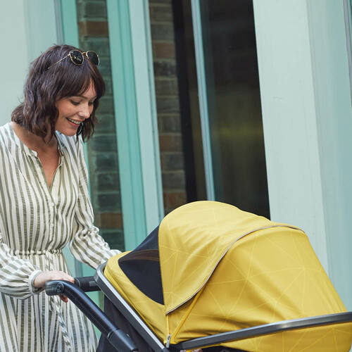 Quantum 2 Stroller, 3-in-1 Multi-mode stroller and travel system suitable from birth <Orange Facet>  <Black Cube> <Copper Hive> <Gray Linear>