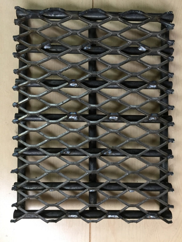 "Horizon Smoker Heavy-Duty Charcoal Grate - 12"" x 16"" for 20"" Classic"