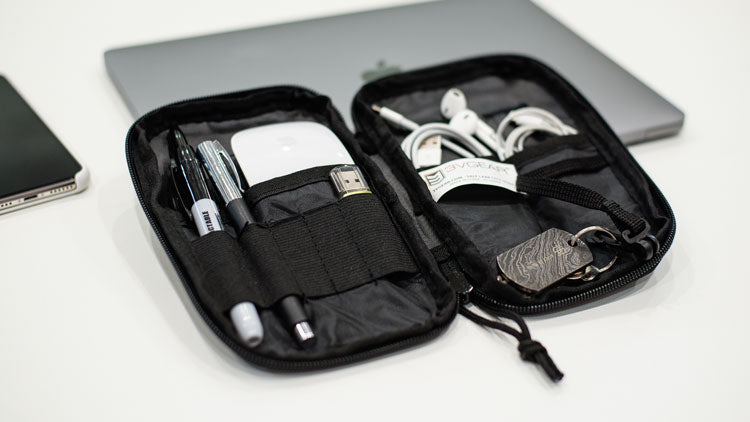 3V Gear Compact Pocket Organizer for tech and cord management