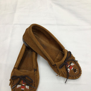 Primary Photo - BRAND: MINNETONKA STYLE: SHOES FLATS COLOR: BROWN SIZE: 8 SKU: 111-111292-16502