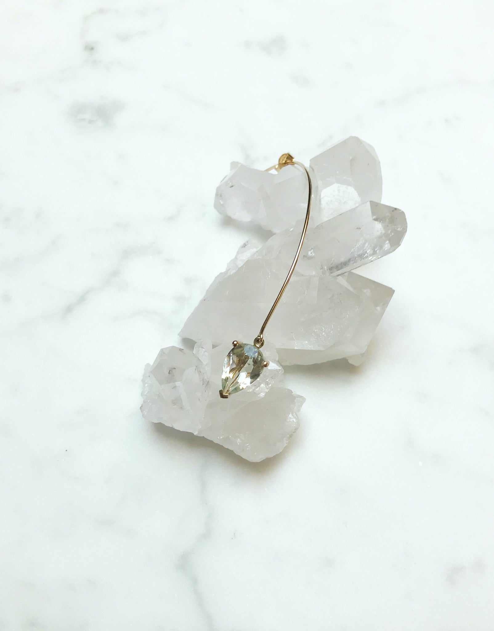 Earring 9K gold with green amethyst - Arch bloom earring - Nayestones