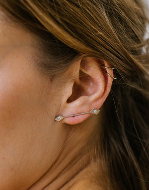 SNAKE EYE CELESTE DIAMOND EARRING