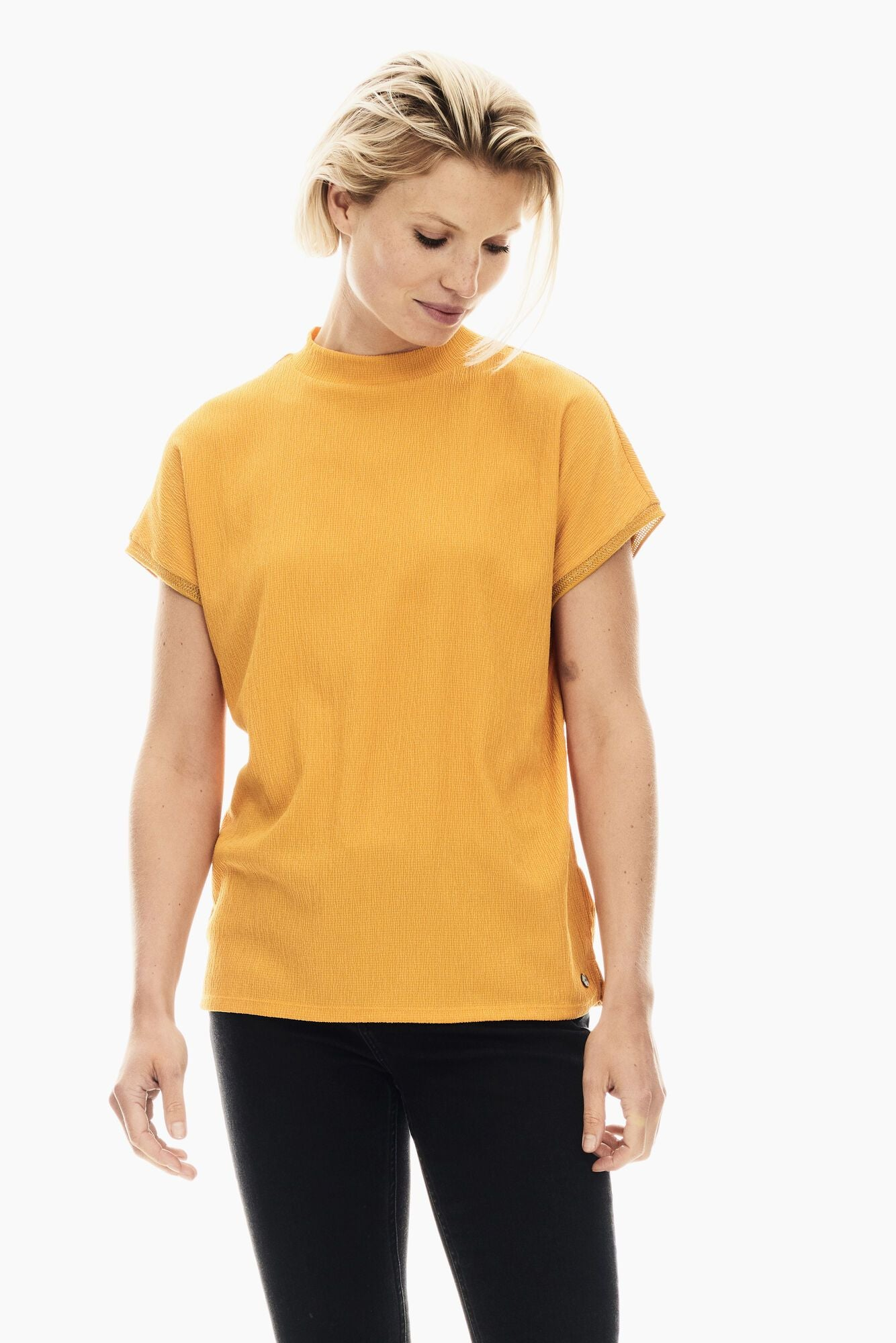 Garcia yellow t-shirt T00209