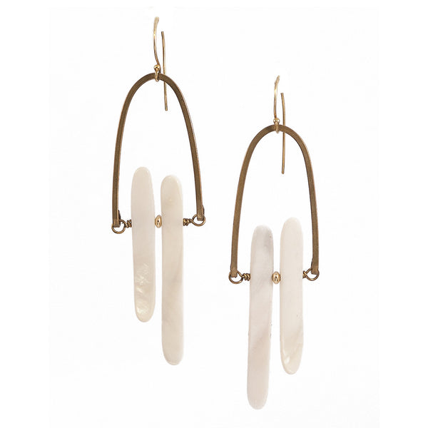 Keys Rise Earrings with Mother of Pearl in Gold Brass