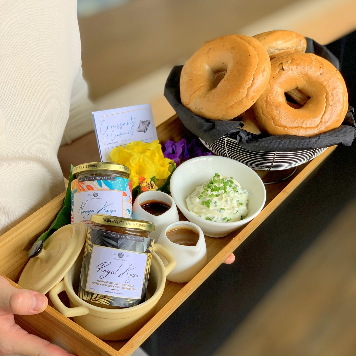Bagels Floating Tray