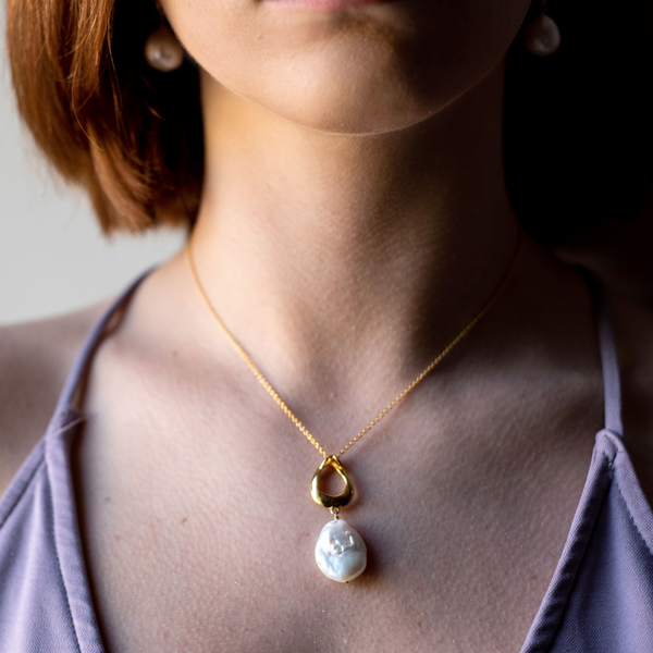 Golden Teardrop Coin Pearl Necklace