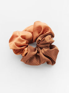 Cindy Semi Dot Scrunchie | Brown