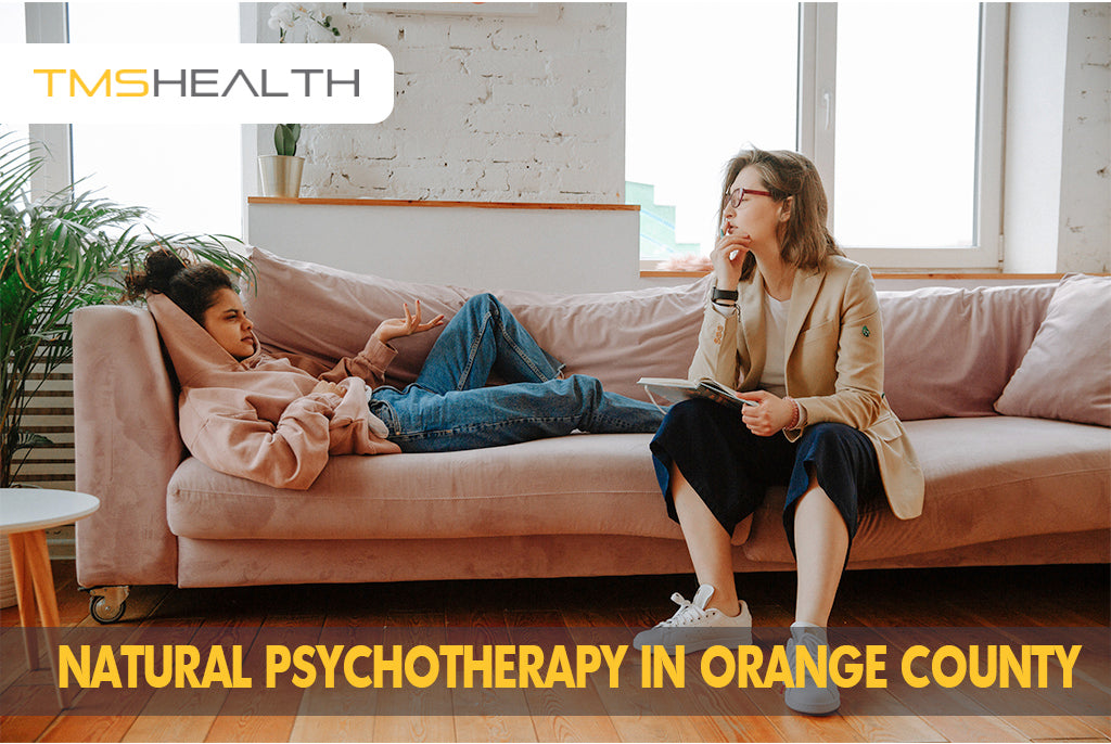 oc psychotherapist with girl patient on couch talking