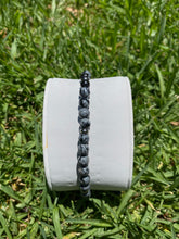 Load image into Gallery viewer, GREY STAINLESS STEEL SNOWFLAKE BEADED STRECH BRACELET - MICHAEL K. JEWELERS
