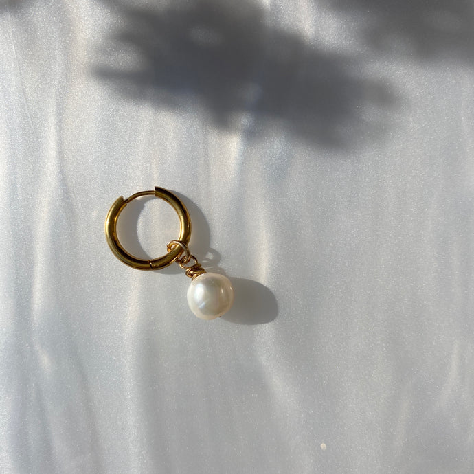 a Pearl a Day Earring