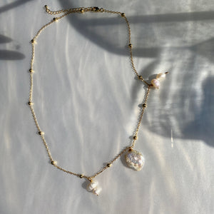 Drop of Pearls Necklace